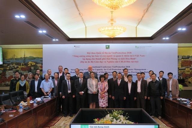 Bảo vệ con người và quản lý thiên tai ở Việt Nam