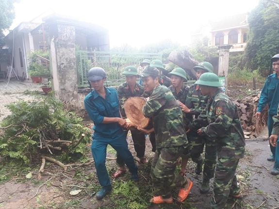 Khẩn trương giúp dân khắc phục hậu quả bão số 9